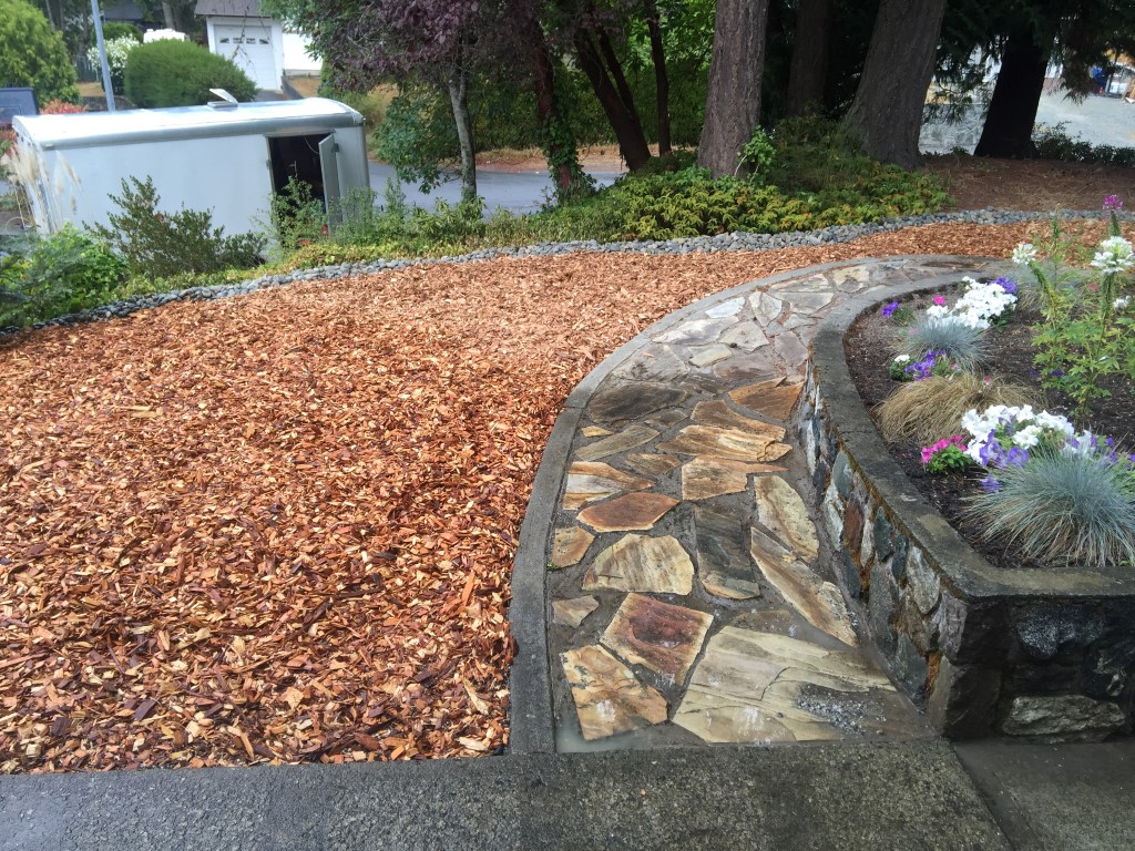 mulch delivery and spreading in sidney and north saanich